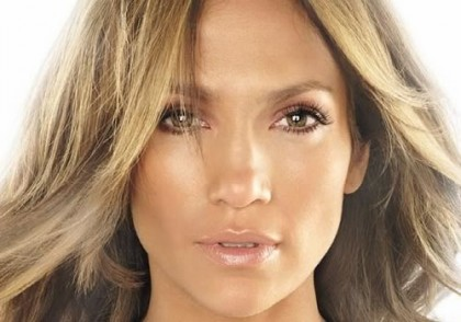 how-to-apply-makeup-for-women-over-40